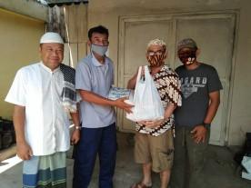 Gee Batik Beri Sembako Untuk Warga Ekonomi Rentan Di Lempuyangan
