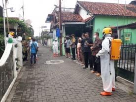 Edukasi Protokol Kesehatan Covid- 19 Dan Peninjauan Shalter di Kampung Lempuyangan